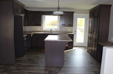 Oak kitchen in auducity stain